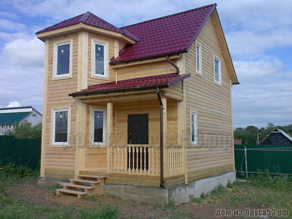 Оригинальный дом из бруса в полтора этажа
