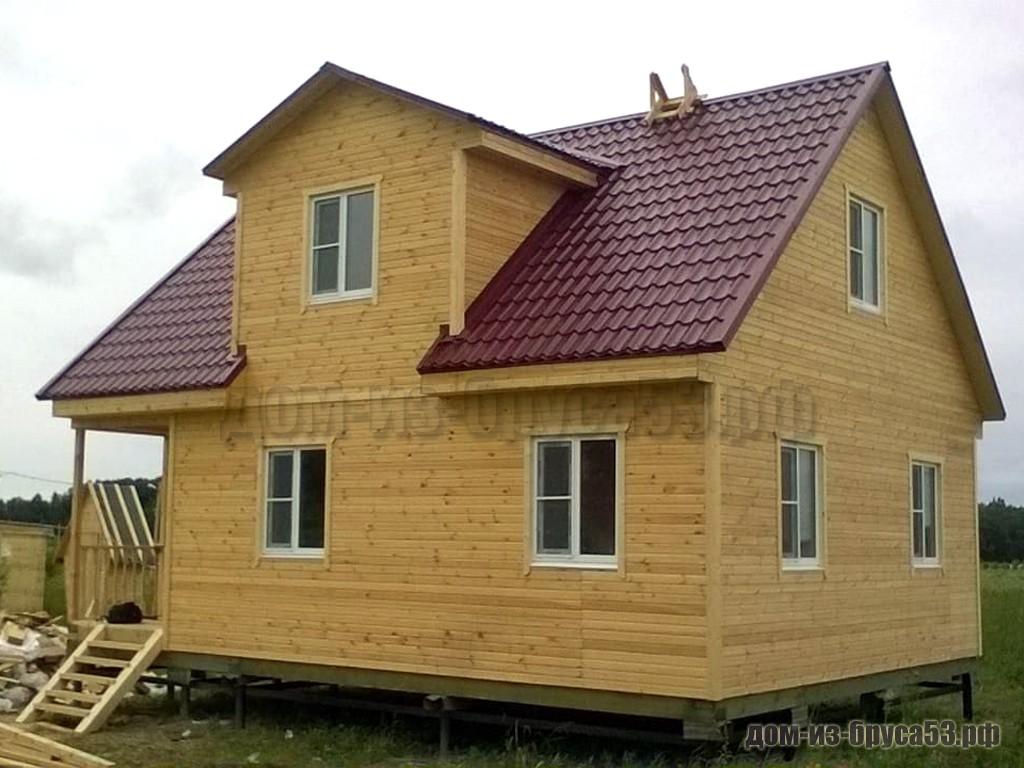 Каркасный дом в полтора этажа